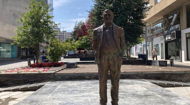 Estatua Miguel Celdrán